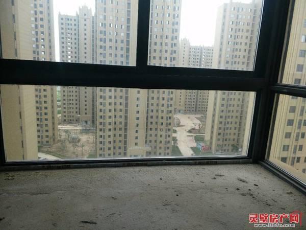 出售东方名城3室2厅1卫95平米65万住宅