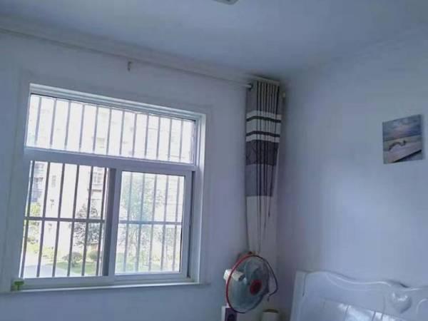 出售东方名城精装全配证件满两年3室2厅1卫120平米92万住宅