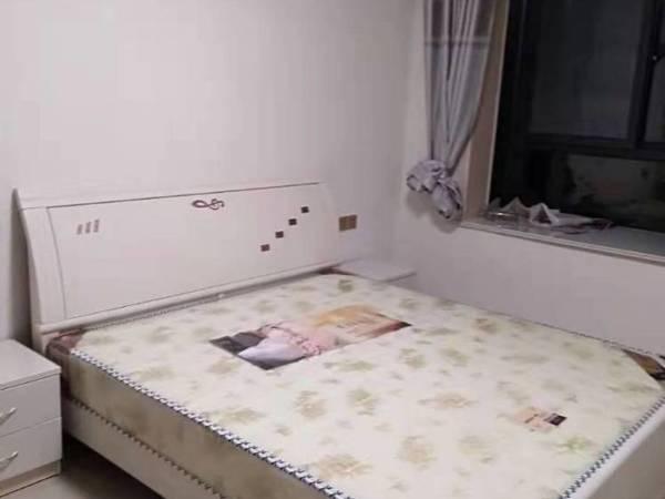出租尚东国际4室2厅2卫133平米1500元/月住宅