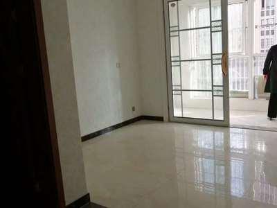 中央名府小区电梯93平方2室2厅中装63万送车位
