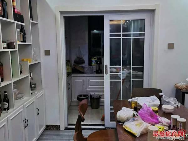 出售尚东国际3室2厅1卫126.8平米92万住宅