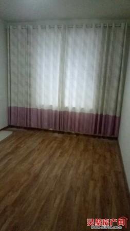 出售东方名城3室2厅2卫送25平方储藏室124平米100万住宅