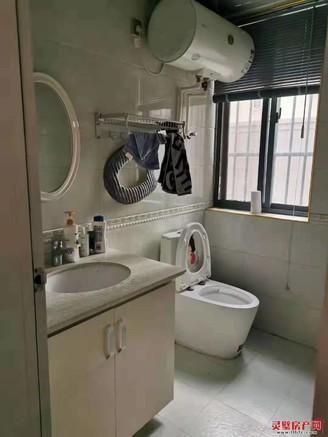 房源真实 凯旋门三室精装修 产证满两年 交通便利 随时可看房